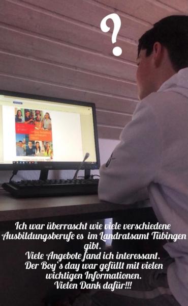 Junge am Schreibtisch mit Computer